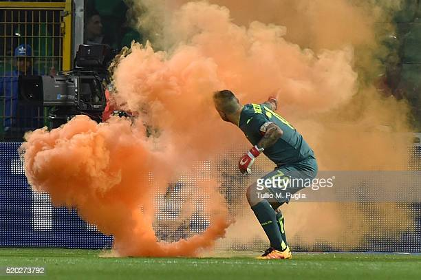 Stefano Sorrentino of Palermo as a flare is launched by fan during the Serie A match between US Citta di Palermo and SS Lazio at Stadio Renzo Barbera...