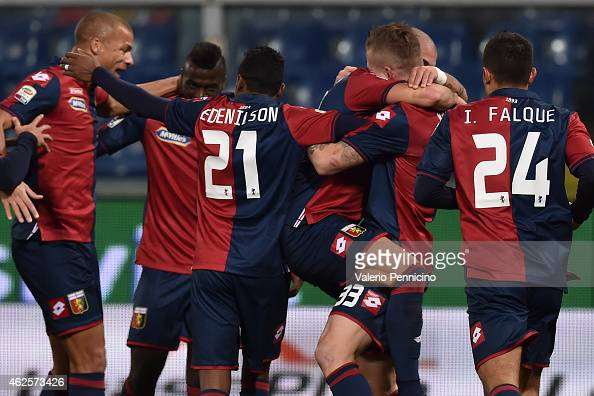 Stefano Sturaro of Genoa CFC celebrates after scoring the opening goal with team mates during the Serie A match between Genoa CFC and ACF Fiorentina...