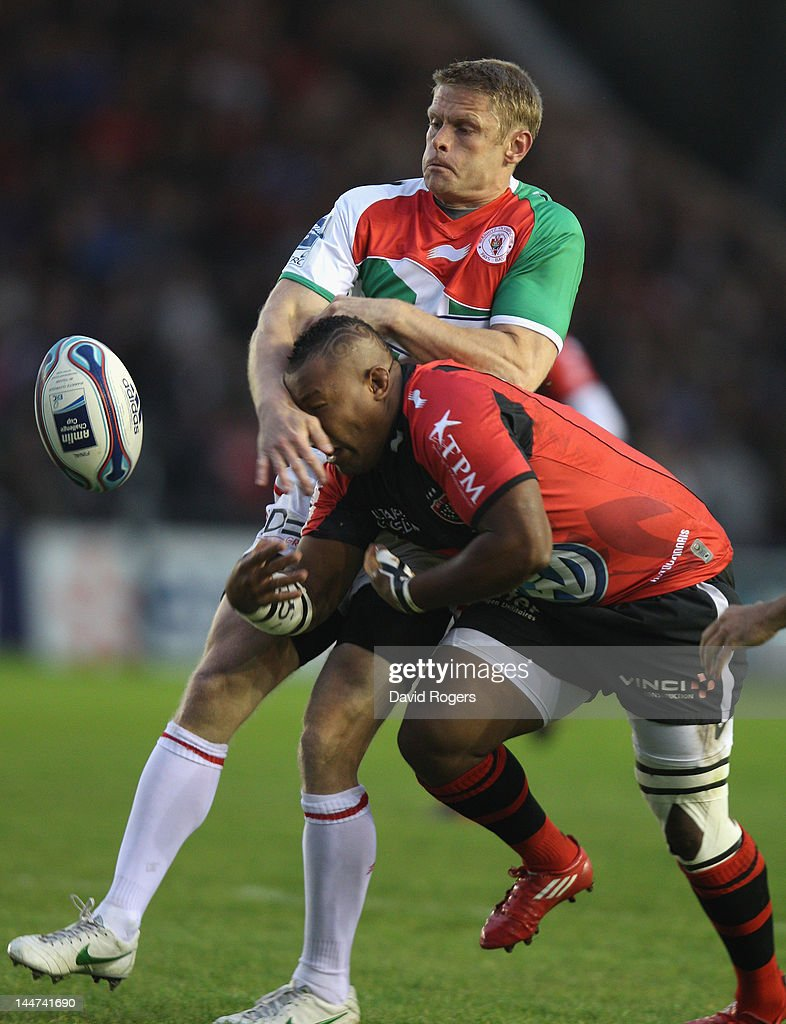 <a gi-track='captionPersonalityLinkClicked' href=/galleries/search?phrase=Steffon+Armitage&family=editorial&specificpeople=2441242 ng-click='$event.stopPropagation()'>Steffon Armitage</a> (R) of Toulon is tackled by <a gi-track='captionPersonalityLinkClicked' href=/galleries/search?phrase=Iain+Balshaw&family=editorial&specificpeople=217240 ng-click='$event.stopPropagation()'>Iain Balshaw</a> during the Amlin Challenge Cup Final between Biarritz Olympique and RC Toulon at the Stoop on May 18, 2012 in London, United Kingdom.