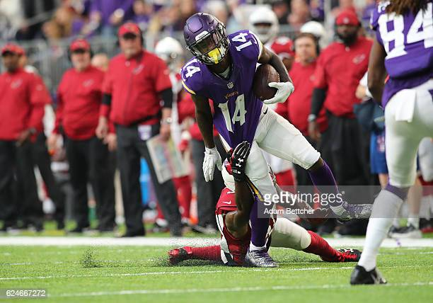 Stefon Diggs of the Minnesota Vikings carries the ball in the second half of the game against the Arizona Cardinals on November 20 2016 at US Bank...