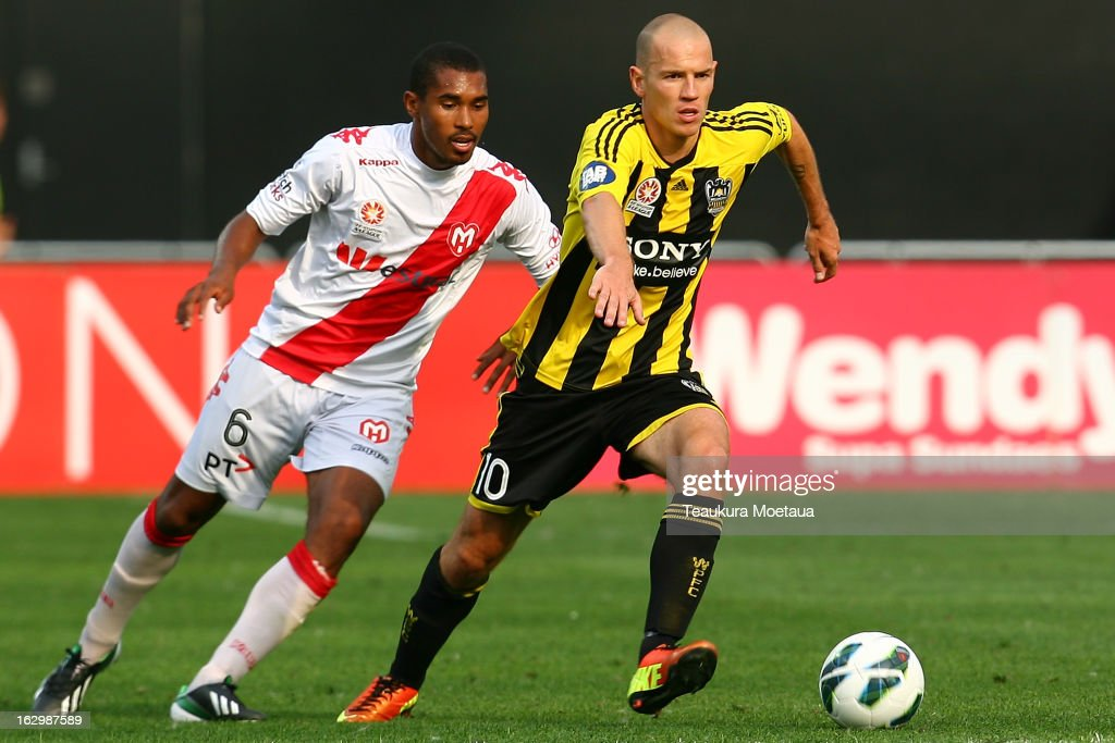 Stein Huysegems of the Wellington Phoenix looks to control the ball during the round 23 A-League match between the Wellington Phoenix and the Melbourne Heart at Forsyth Barr Stadium on March 3, 2013 in Dunedin, New Zealand.