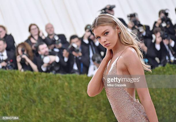 Stella Maxwell attends the 'Manus x Machina Fashion In An Age Of Technology' Costume Institute Gala at Metropolitan Museum of Art on May 2 2016 in...