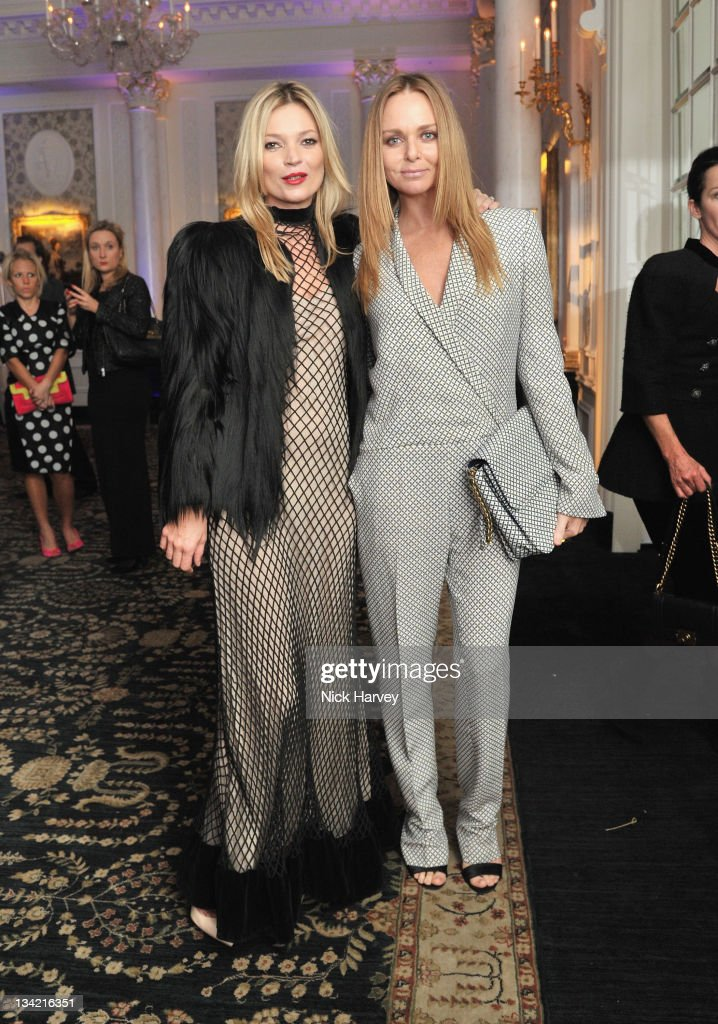 Stella McCartney and <a gi-track='captionPersonalityLinkClicked' href=/galleries/search?phrase=Kate+Moss&family=editorial&specificpeople=201830 ng-click='$event.stopPropagation()'>Kate Moss</a> arrive at the British Fashion Awards at The Savoy Hotel on November 28, 2011 in London, England.