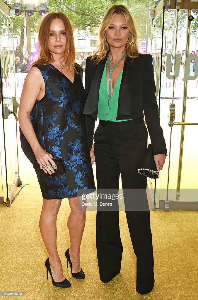 Stella McCartney (L) and Kate Moss attend the World Premiere of 'Absolutely Fabulous: The Movie' at Odeon Leicester Square on June 29, 2016 in London, England.