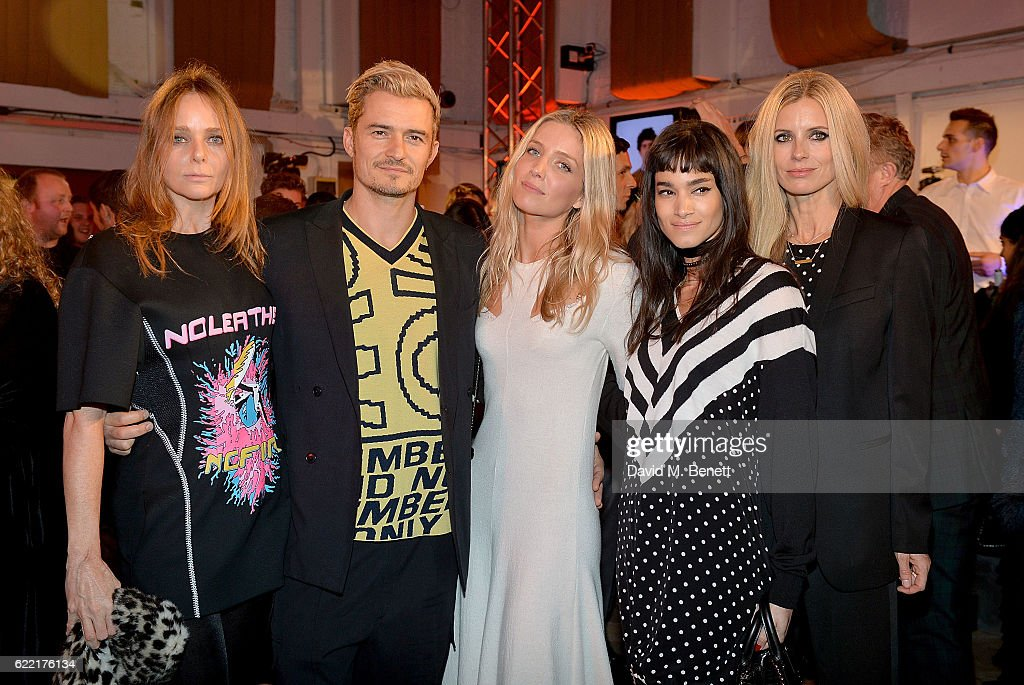 Stella McCartney, Orlando Bloom, Annabelle Wallis, Sofia Boutella and Laura Bailey attend the Stella McCartney Menswear Launch and Women's Spring 2017 Collection Presentation at Abbey Road Studios on November 10, 2016 in London, England.