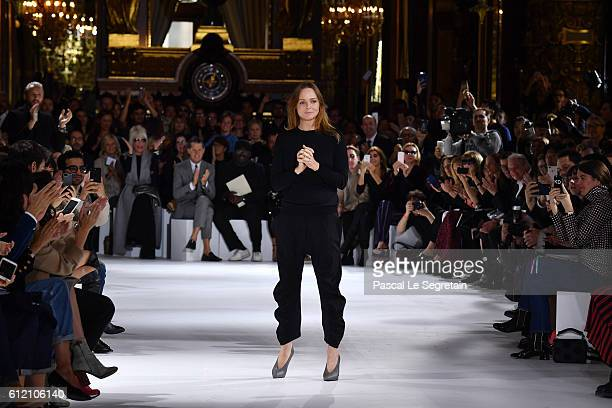 Stella McCartney poses on the runway during the Stella McCartney show as part of the Paris Fashion Week Womenswear Spring/Summer 2017 on October 3...
