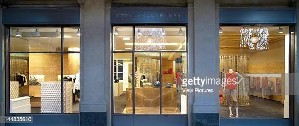 Stella Mccartney Store Galerie De Valois Paris Palais Royal France Architect Angus Pond Architects Stella Mccartney Store Storefront At Night