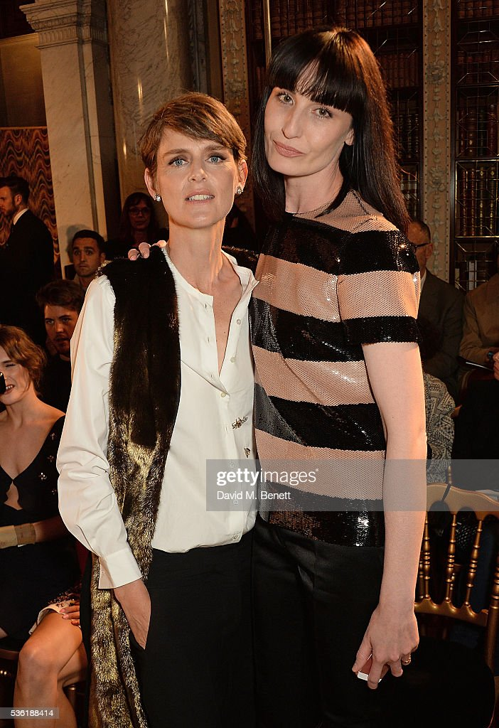 <a gi-track='captionPersonalityLinkClicked' href=/galleries/search?phrase=Stella+Tennant&family=editorial&specificpeople=758696 ng-click='$event.stopPropagation()'>Stella Tennant</a> and <a gi-track='captionPersonalityLinkClicked' href=/galleries/search?phrase=Erin+O%27Connor&family=editorial&specificpeople=204677 ng-click='$event.stopPropagation()'>Erin O'Connor</a> attend as Christian Dior showcases its spring summer 2017 cruise collection at Blenheim Palace on May 31, 2016 in Woodstock, England.