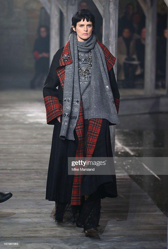 Stella Tennant walks the runway at the