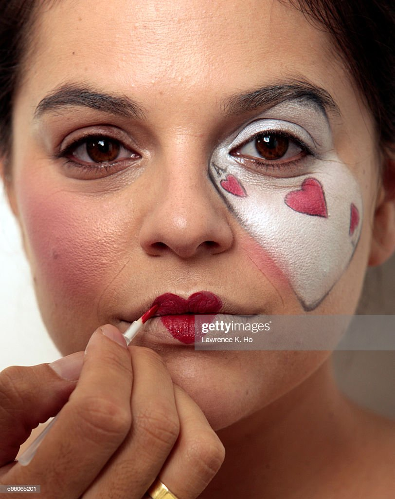 step 5 step by step on how to get three different halloween makeup looks - Where Can I Get Halloween Makeup Done