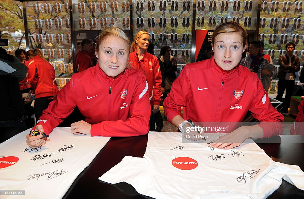 Arsenal Ladies FC Nike Store Visit