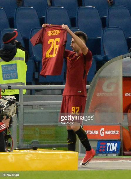 Stephan El Shaarawy celebrates with Rick Karsdorp after scroting goal 10 during the Italian Serie A football match between AS Roma and FC Bologna at...