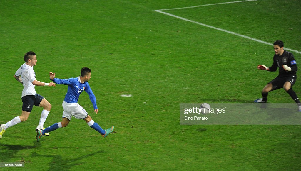 Stephan El Shaarawy (L) of Italy scores the opening goal during the international friendly match between Italy and France at Stadio Ennio Tardini on November 14, 2012 in Parma, Italy.