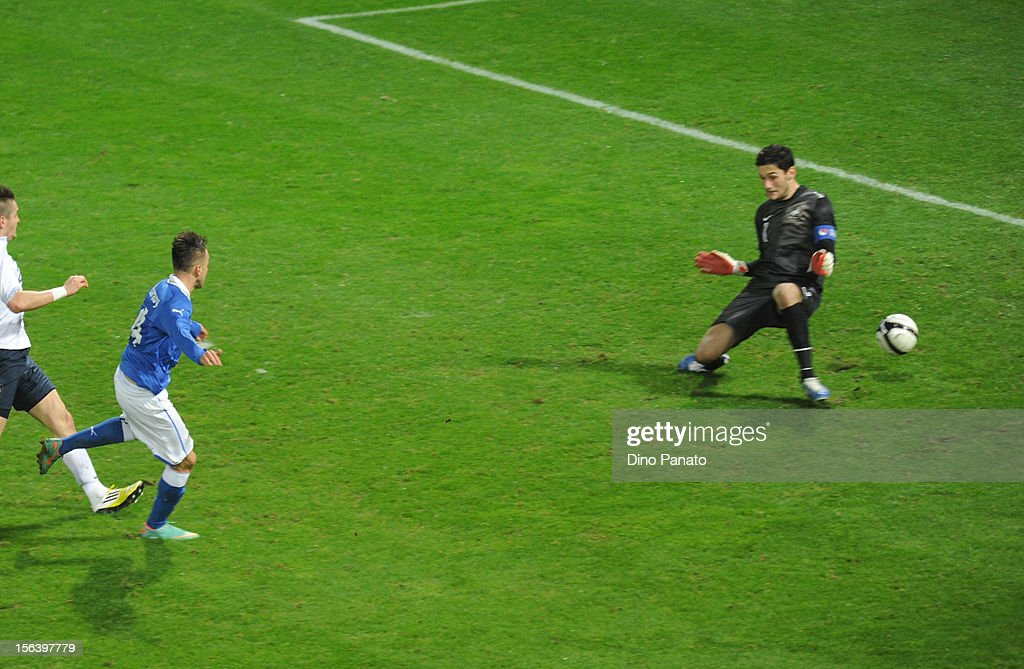 Stephan El Shaarawy (2nd L) of Italy scores the opening goal during the international friendly match between Italy and France at Stadio Ennio Tardini on November 14, 2012 in Parma, Italy.