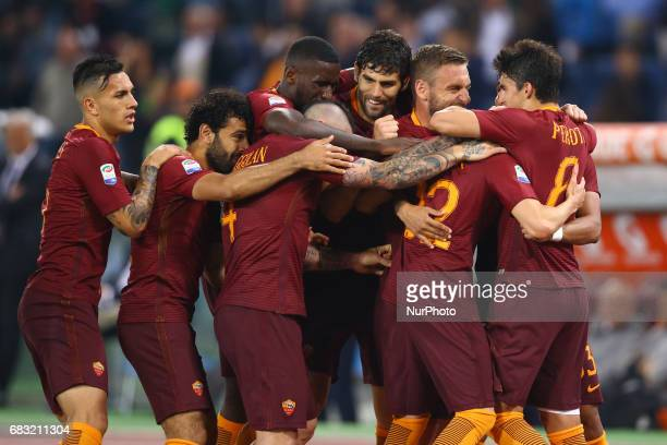 Stephan El Shaarawy of Roma celebrating with the teammates the goal of 21 scored during the Serie A match between AS Roma and Juventus FC at Stadio...