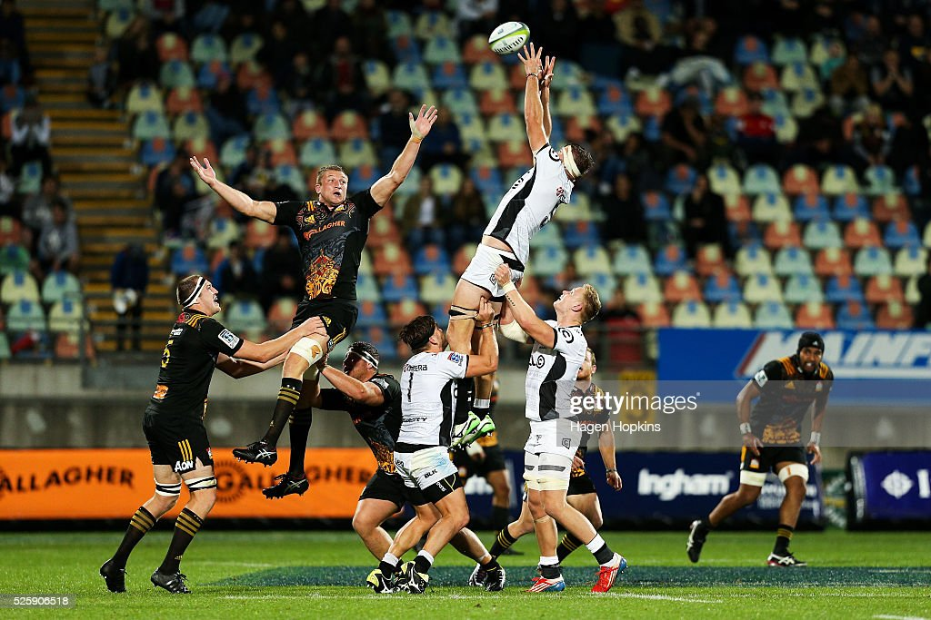 Stephan Lewies of the Sharks wins a lineout over Dominic Bird of the Chiefs during the round 10 Super Rugby match between the Chiefs and the Sharks at Yarrow Stadium on April 29, 2016 in New Plymouth, New Zealand.