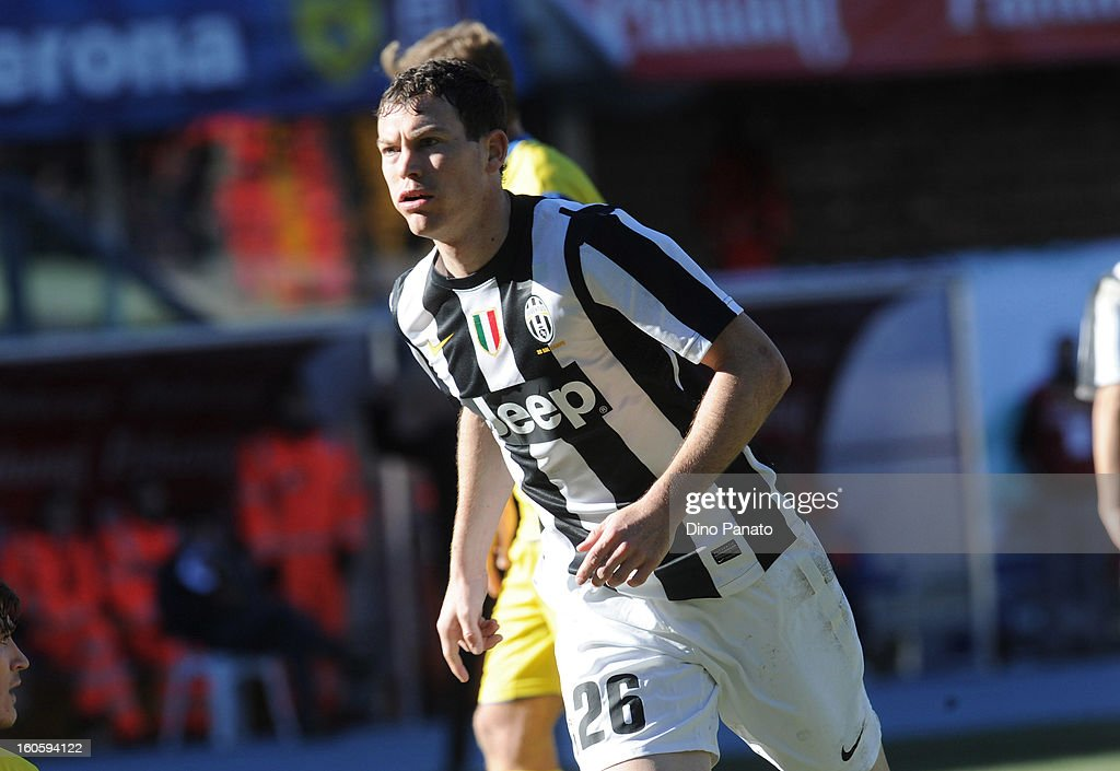 Stephan Lichtsteiner of Juventus celebrates after scoring his team's second goal during the Serie A match between AC Chievo Verona and Juventus FC at Stadio Marc'Antonio Bentegodi on February 3, 2013 in Verona, Italy.