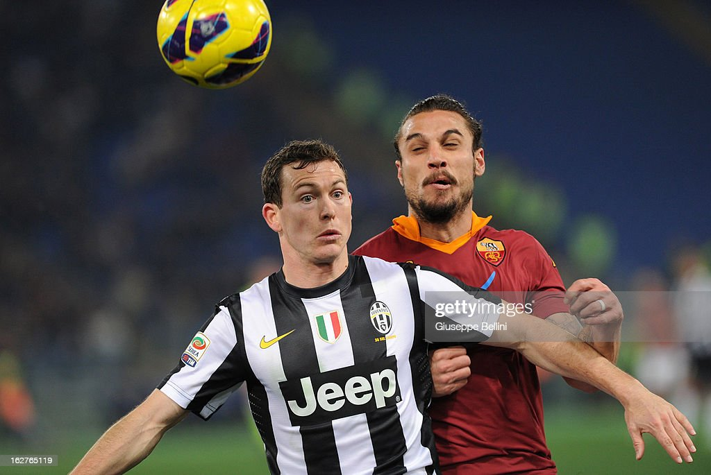 <a gi-track='captionPersonalityLinkClicked' href=/galleries/search?phrase=Stephan+Lichtsteiner&family=editorial&specificpeople=709876 ng-click='$event.stopPropagation()'>Stephan Lichtsteiner</a> (L) of Juventus shields the ball from Pablo Osvaldo of Roma during the Serie A match between AS Roma and Juventus FC at Stadio Olimpico on February 16, 2013 in Rome, Italy.