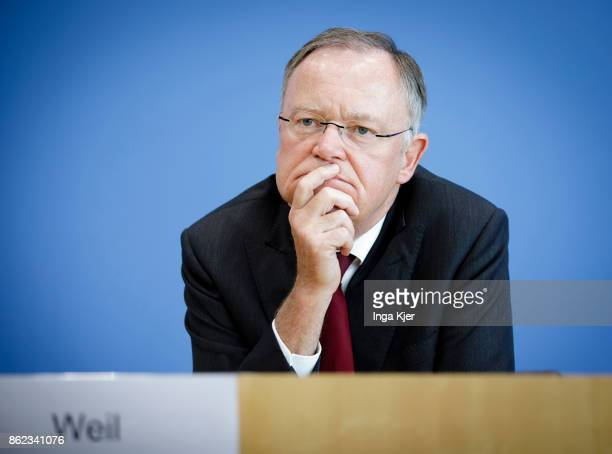 Stephan Weil governor of the state of Lower Saxony gives a press conference on October 16 2017 in Berlin Germany