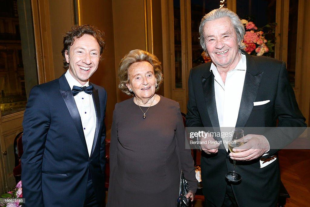 Stephane Bern Bernadette Chirac and Alain Delon attend Tricentenary of the French dance school AROP Gala at Opera Garnier on April 15 2013 in Paris...