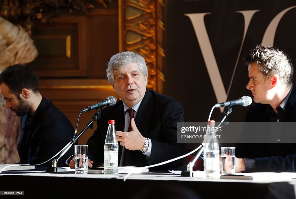 Stephane Lissner (C), director of the Opera National de Paris, speaks, flanked by Director of Dance Benjamin Millepied (L) and Director of Music Philippe Jordan, during a presentation of the 2016/2017 season of the Opera de Paris at the Palais Garnier in Paris on February 10, 2016. / AFP / FRANCOIS GUILLOT