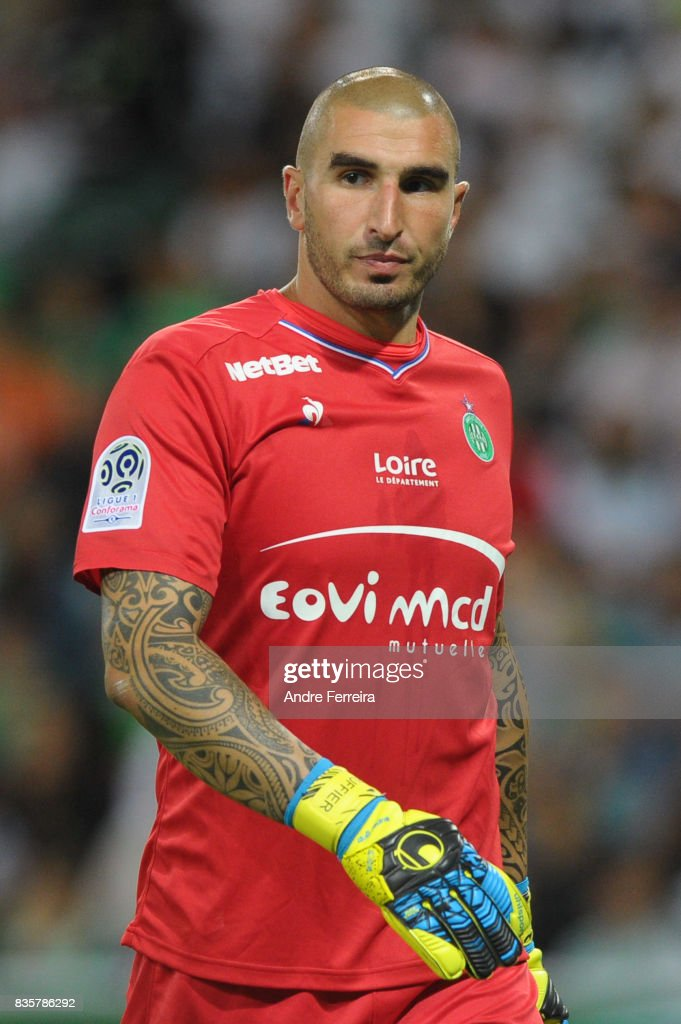 Stephane Ruffier of Saint Etienne during the Ligue 1 match between AS Saint Etienne and Amiens SC at Stade Geoffroy Guichard on August 19, 2017 in Saint Etienne, France.