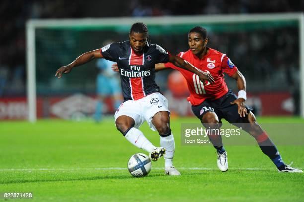 Stephane SESSEGNON / Franck BERIA Lille / PSG 2eme journee de Ligue 1 Stadium de Villeneuve d'ascq