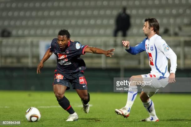 Stephane SESSEGNON / HENGBART Auxerre / PSG 1/4 de finale de Coupe de France Stade Abbe Deschamps Auxerre
