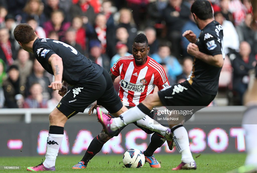 Stephane Sessegnon of Sunderland finds his route towards goal blocked during the Barclays Premier League match between Sunderland and Fulham at the Stadium of Light on March 02, 2013 in Sunderland, England.