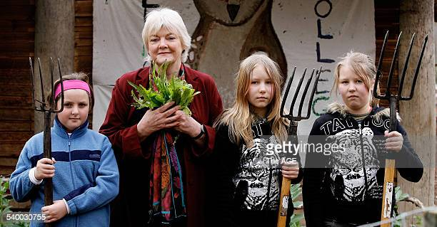 Stephanie Alexander in Collingwood College's garden with Kaitlyn Heenan Bilby Conway and Aurora Conway on 10 August 2006 THE AGE NEWS Picture by JOHN...