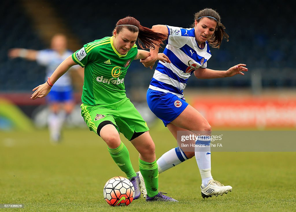 Stephanie Bannon of Sunderland holds off pressure from Helen Ward of Reading during the WSL 1 match between Reading FC Women and Sunderland AFC Ladies on May 2, 2016 in High Wycombe, England.