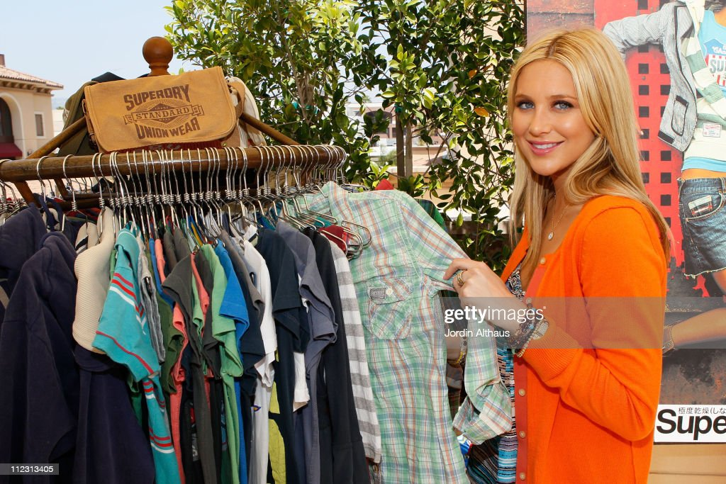 <a gi-track='captionPersonalityLinkClicked' href=/galleries/search?phrase=Stephanie+Pratt&family=editorial&specificpeople=5134159 ng-click='$event.stopPropagation()'>Stephanie Pratt</a> poses with Superdry at the Kari Feinstein MTV Movie Awards Style Lounge held at Montage Beverly Hills on June 4, 2010 in Beverly Hills, California.