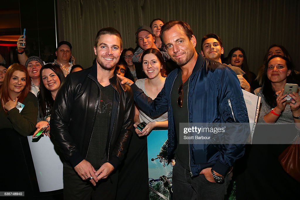 <a gi-track='captionPersonalityLinkClicked' href=/galleries/search?phrase=Stephen+Amell&family=editorial&specificpeople=4500297 ng-click='$event.stopPropagation()'>Stephen Amell</a> (L) and <a gi-track='captionPersonalityLinkClicked' href=/galleries/search?phrase=Will+Arnett&family=editorial&specificpeople=209259 ng-click='$event.stopPropagation()'>Will Arnett</a> attend the Teenage Mutant Ninja Turtles: Out of the Shadows fan screening at Village Cinemas Jam Factory on May 30, 2016 in Melbourne, Australia.