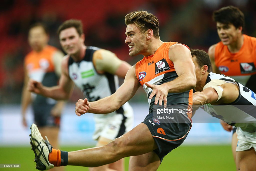 Stephen Coniglio of the Giants in action during the round 14 AFL match between the Greater Western Sydney Giants and the Carlton Blues at Spotless Stadium on June 25, 2016 in Sydney, Australia.