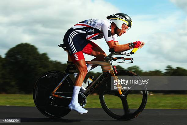 Stephen Cummings of Great Britain in action during the Elite Men Time Trial on day five of the UCI Road World Championships on September 23 2015 in...