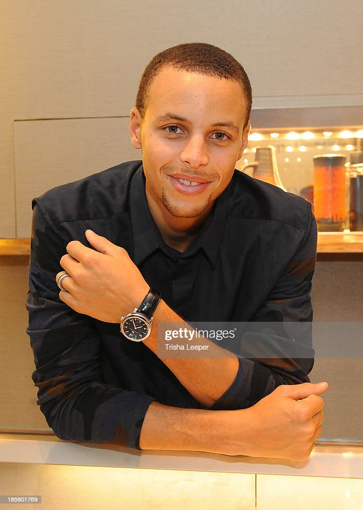 <a gi-track='captionPersonalityLinkClicked' href=/galleries/search?phrase=Stephen+Curry+-+Basketball+Player&family=editorial&specificpeople=5040623 ng-click='$event.stopPropagation()'>Stephen Curry</a> attend the David Yurman Launch of The Meteorite Collection With Kent Bazemore at Westfield Valley Fair on October 25, 2013 in Santa Clara, California.