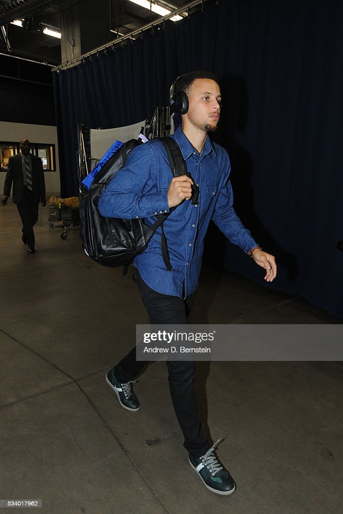 <a gi-track='captionPersonalityLinkClicked' href=/galleries/search?phrase=Stephen+Curry+-+Basketball+Player&family=editorial&specificpeople=5040623 ng-click='$event.stopPropagation()'>Stephen Curry</a> #30 of the Golden State Warriors before facing the Oklahoma City Thunder for Game Four of the Western Conference Finals during the 2016 NBA Playoffs on May 24, 2016 at Chesapeake Energy Arena in Oklahoma City, Oklahoma.