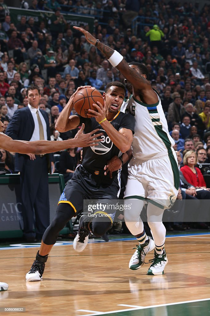 <a gi-track='captionPersonalityLinkClicked' href=/galleries/search?phrase=Stephen+Curry+-+Basketball+Player&family=editorial&specificpeople=5040623 ng-click='$event.stopPropagation()'>Stephen Curry</a> #30 of the Golden State Warriors drives to the basket during the game against the Milwaukee Bucks on December 12, 2015 at the BMO Harris Bradley Center in Milwaukee, Wisconsin.