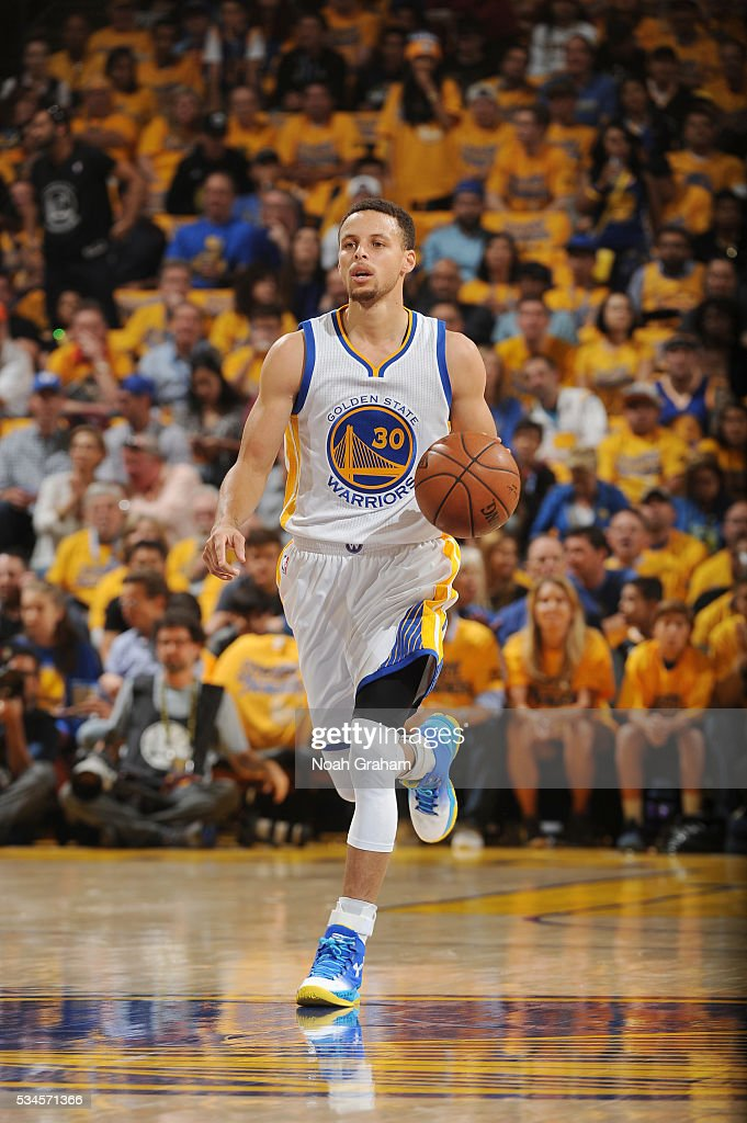 <a gi-track='captionPersonalityLinkClicked' href=/galleries/search?phrase=Stephen+Curry+-+Basketballer&family=editorial&specificpeople=5040623 ng-click='$event.stopPropagation()'>Stephen Curry</a> #30 of the Golden State Warriors drives to the basket against the Oklahoma City Thunder during Game Five of the Western Conference Finals during the 2016 NBA Playoffs on May 26, 2016 at ORACLE Arena in Oakland, California.