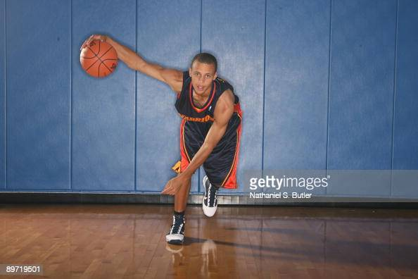 Stephen Curry of the Golden State Warriors poses during the 2009 NBA rookie portrait shoot at the MSG training facility August 9 2009 in Tarrytown...