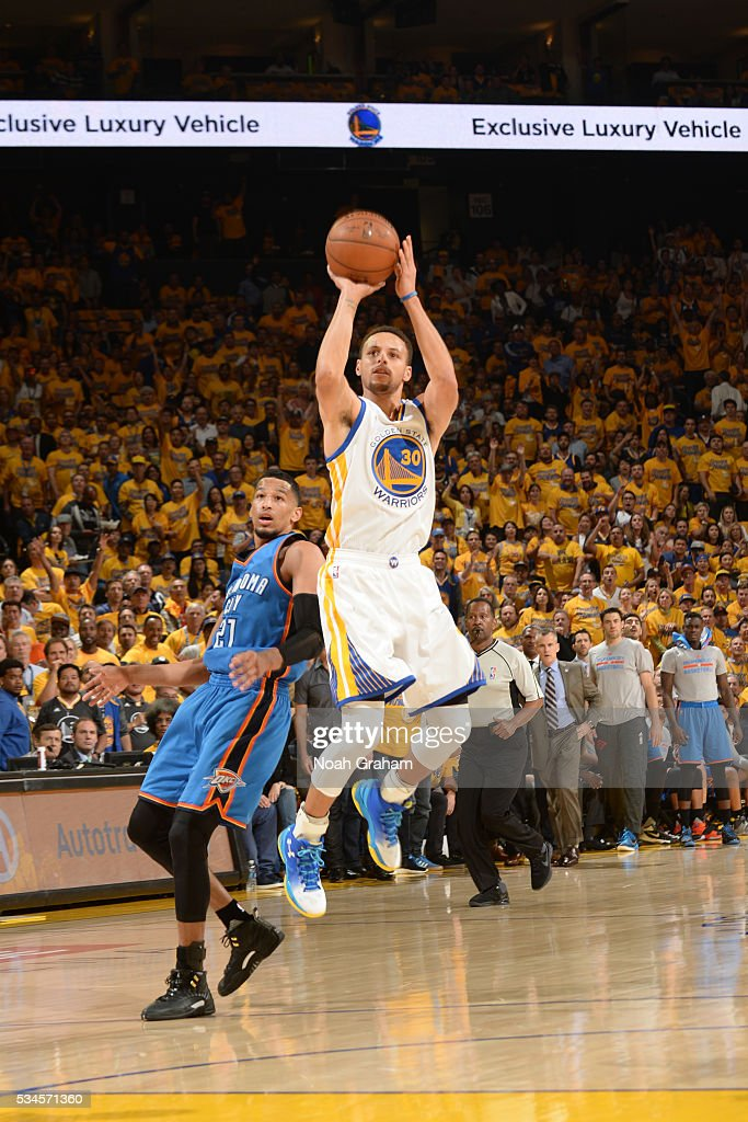 <a gi-track='captionPersonalityLinkClicked' href=/galleries/search?phrase=Stephen+Curry+-+Basketballer&family=editorial&specificpeople=5040623 ng-click='$event.stopPropagation()'>Stephen Curry</a> #30 of the Golden State Warriors shoots against the Oklahoma City Thunder during Game Five of the Western Conference Finals during the 2016 NBA Playoffs on May 26, 2016 at ORACLE Arena in Oakland, California.