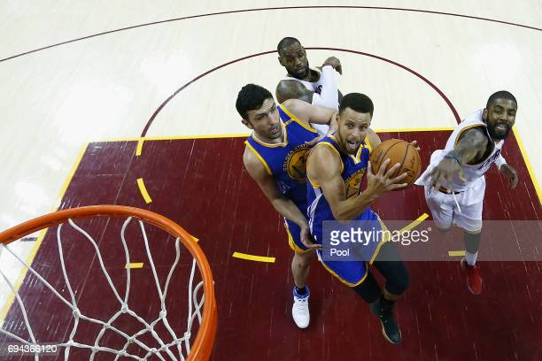 Stephen Curry of the Golden State Warriors shoots in the second half against the Cleveland Cavaliers in Game 4 of the 2017 NBA Finals at Quicken...