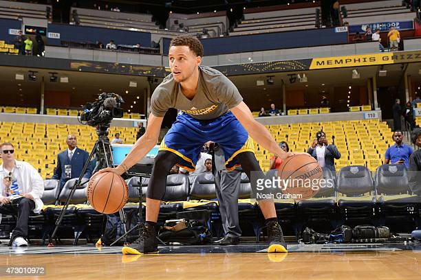 Stephen Curry of the Golden State Warriors warms up before facing off against the Memphis Grizzlies for Game Four of the Western Conference...