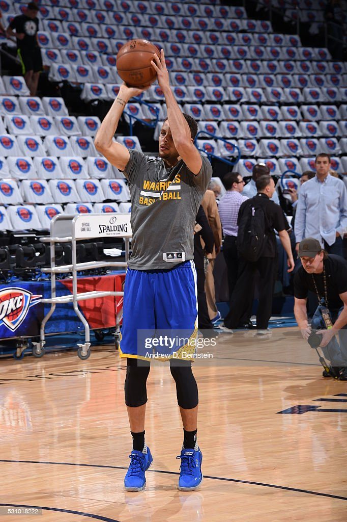 <a gi-track='captionPersonalityLinkClicked' href=/galleries/search?phrase=Stephen+Curry+-+Basketball+Player&family=editorial&specificpeople=5040623 ng-click='$event.stopPropagation()'>Stephen Curry</a> #30 of the Golden State Warriors warms up before facing the Oklahoma City Thunder for Game Four of the Western Conference Finals during the 2016 NBA Playoffs on May 24, 2016 at Chesapeake Energy Arena in Oklahoma City, Oklahoma.