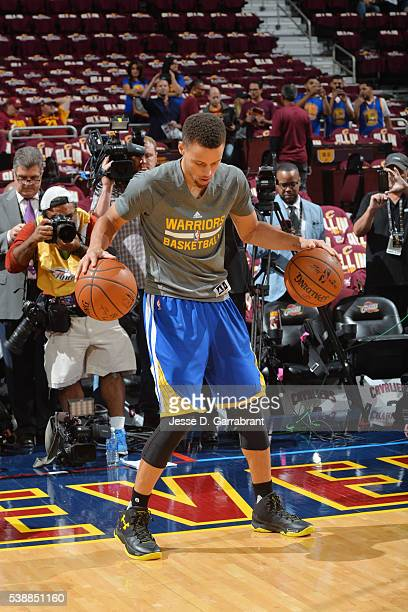 Stephen Curry of the Golden State Warriors warms up before the game against the Cleveland Cavaliers in Game Three of the 2016 NBA Finals on June 8...