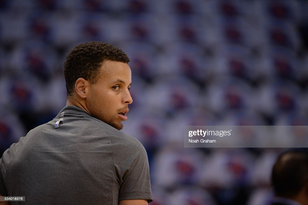 <a gi-track='captionPersonalityLinkClicked' href=/galleries/search?phrase=Stephen+Curry+-+Basketball+Player&family=editorial&specificpeople=5040623 ng-click='$event.stopPropagation()'>Stephen Curry</a> #30 of the Golden State Warriors warms up prior to Game Four of the Western Conference Finals between the Golden State Warriors and Oklahoma City Thunder during the 2016 NBA Playoffs on May 24, 2016 at Chesapeake Energy Arena in Oklahoma City, Oklahoma.