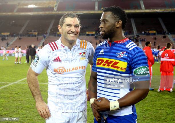 Stephen Donald of Chiefs and Siya Kolisi of the Stormers during the Super Rugby Quarter final between DHL Stormers and Chiefs at DHL Newlands on July...