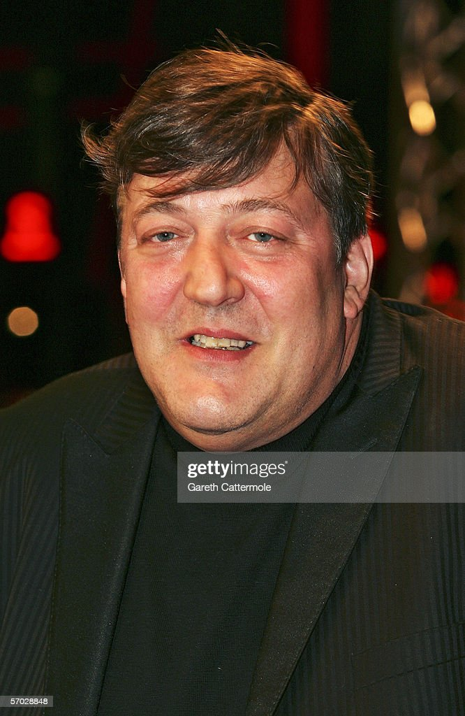 <a gi-track='captionPersonalityLinkClicked' href=/galleries/search?phrase=Stephen+Fry&family=editorial&specificpeople=210809 ng-click='$event.stopPropagation()'>Stephen Fry</a> arrives at the UK Premiere of 'V For Vendetta' at the Empire Leicester Square on March 8, 2006 in London, England. The film is based on the Alan Moore book and is written and co-produced by The Matrix producers Andy and Larry Wachowski.