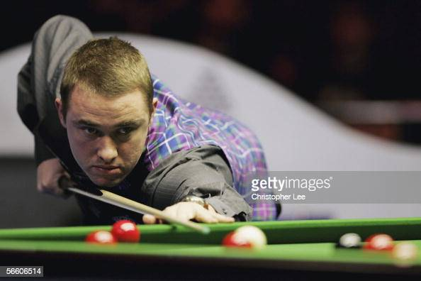 Stephen Hendry MBE of Scotland in action during his First Round match with Alan McManus of Scotland during The Masters 2006 at Wembley Conference...
