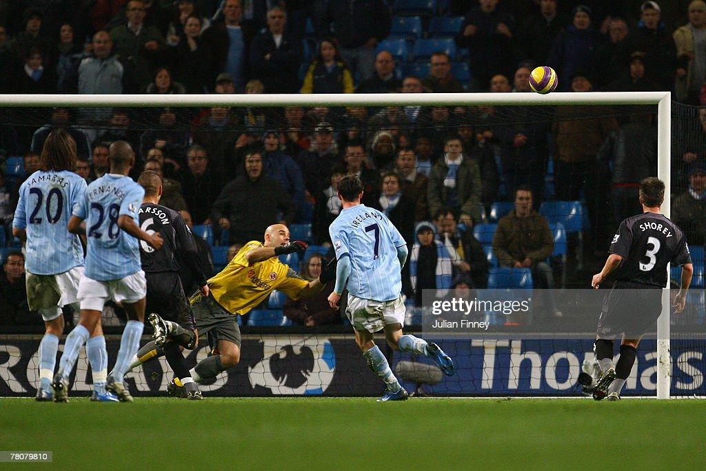 Manchester City v Reading : News Photo